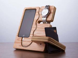the_wood_docking_station_doubles_as_desk_organizer_1