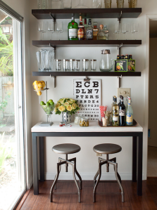 Small side bar with stools