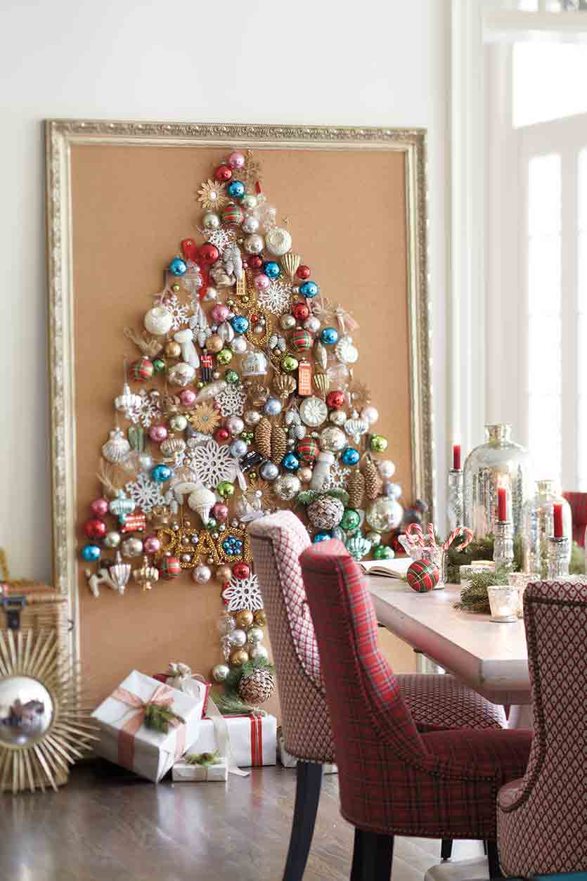 Wall Christmas tree bulbs