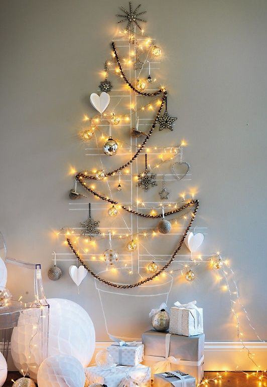 Wall christmas tree white lights